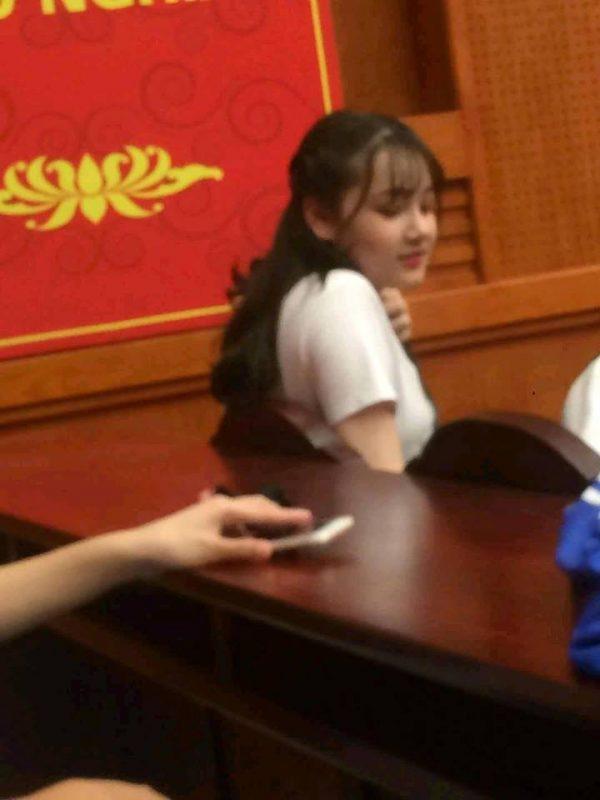 Một bức ảnh được cho là của cô bé khi đã lên đồ
