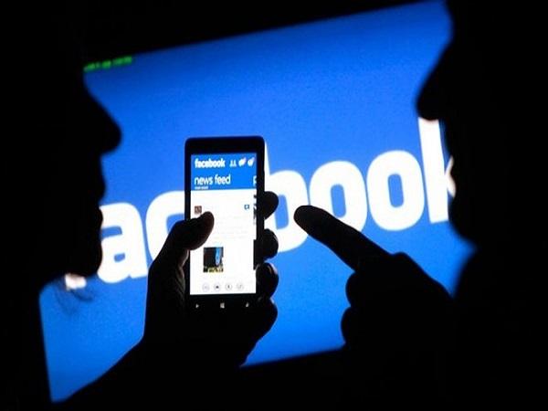 Hành vi xúc phạm người khác trên mạng xã hội