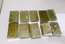 vận chuyển hàng chục bánh heroin