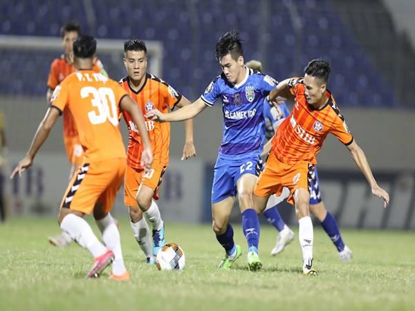 Các tuyển thủ Việt Nam trở về thi đấu cho CLB
