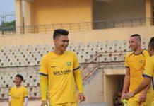 Bóng đá Việt Nam sáng 4/5: HLV Park Hang Seo nhận hung tin
