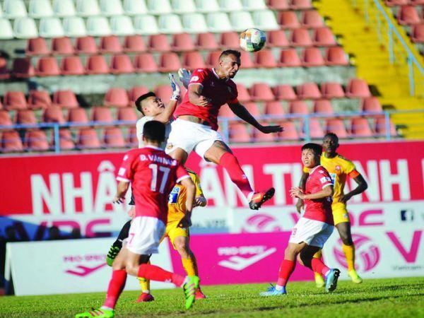 Bóng đá Việt Nam sáng 30/8: Các CLB sốt ruột chờ V-League trở lại