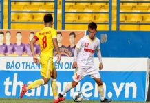 """Bóng đá VN 1/4: HLV U19 HAGL """"đổ lỗi"""" cho thời tiết"""